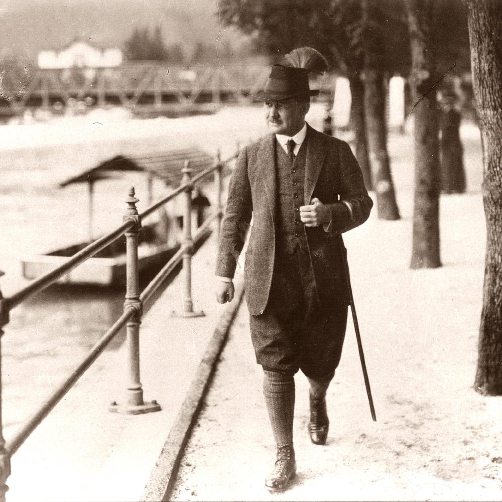 Franz Lehár auf der Esplanade in Bad Ischl (Foto Hofer)